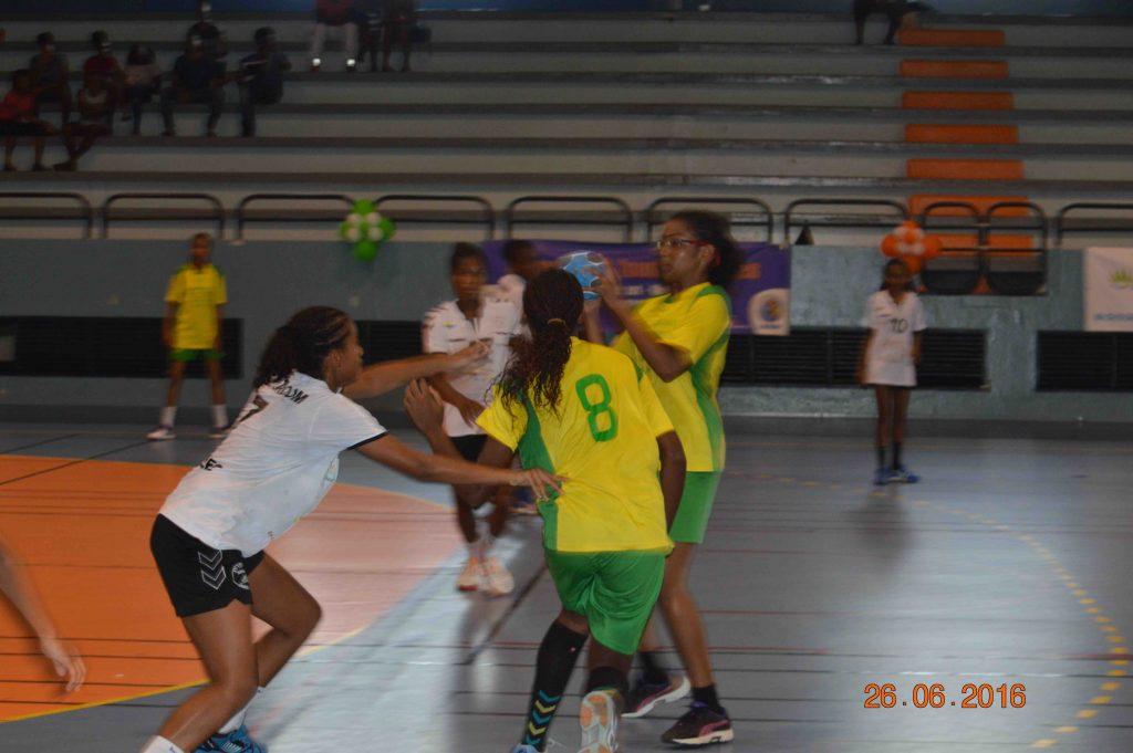 Action de jeu Intrépide HBC-Réveil Sportif