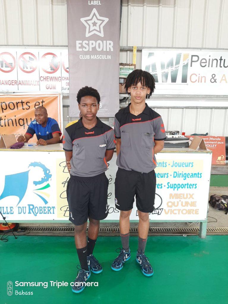 Jeunes Arbitres : Eloi Adolphe et Voydeville de l'Entente TS Franciscain/Arsenal