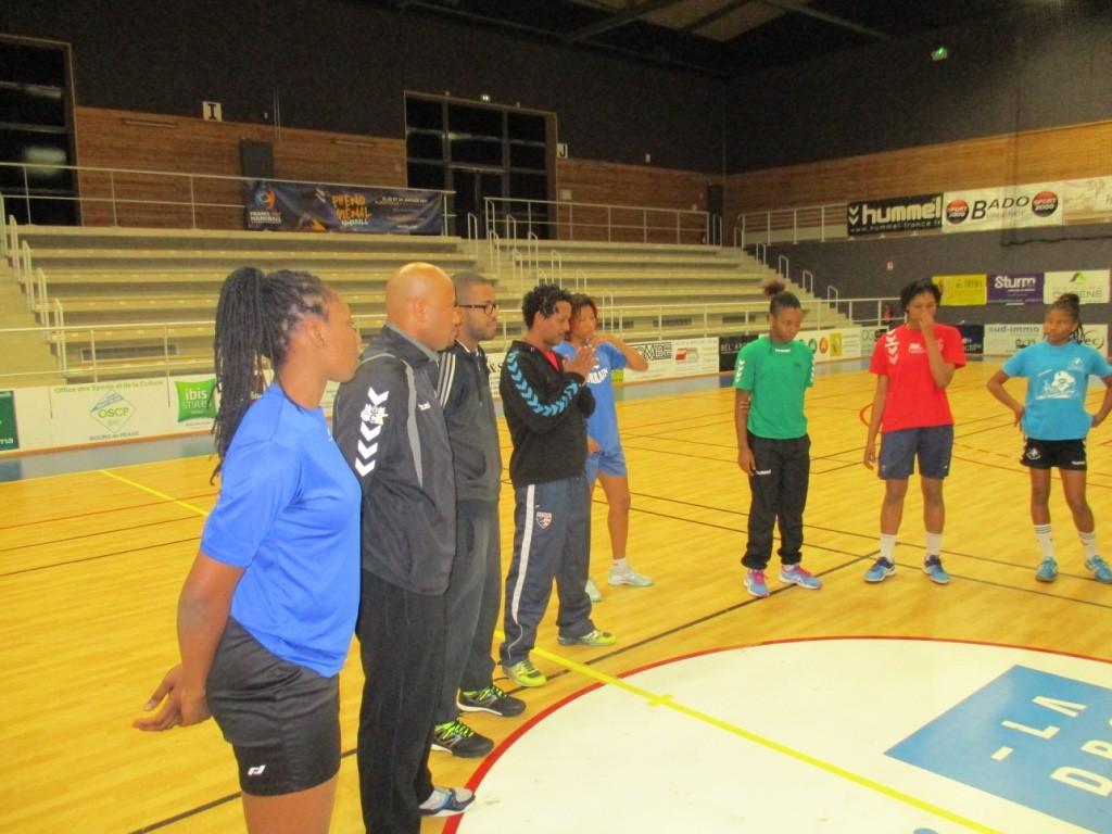 Briefing avant l'entrainement à Bourg en Péage